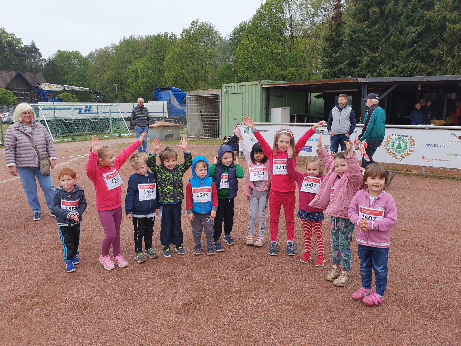 Leichtathletik: Bambinilauf beim Flürener HM